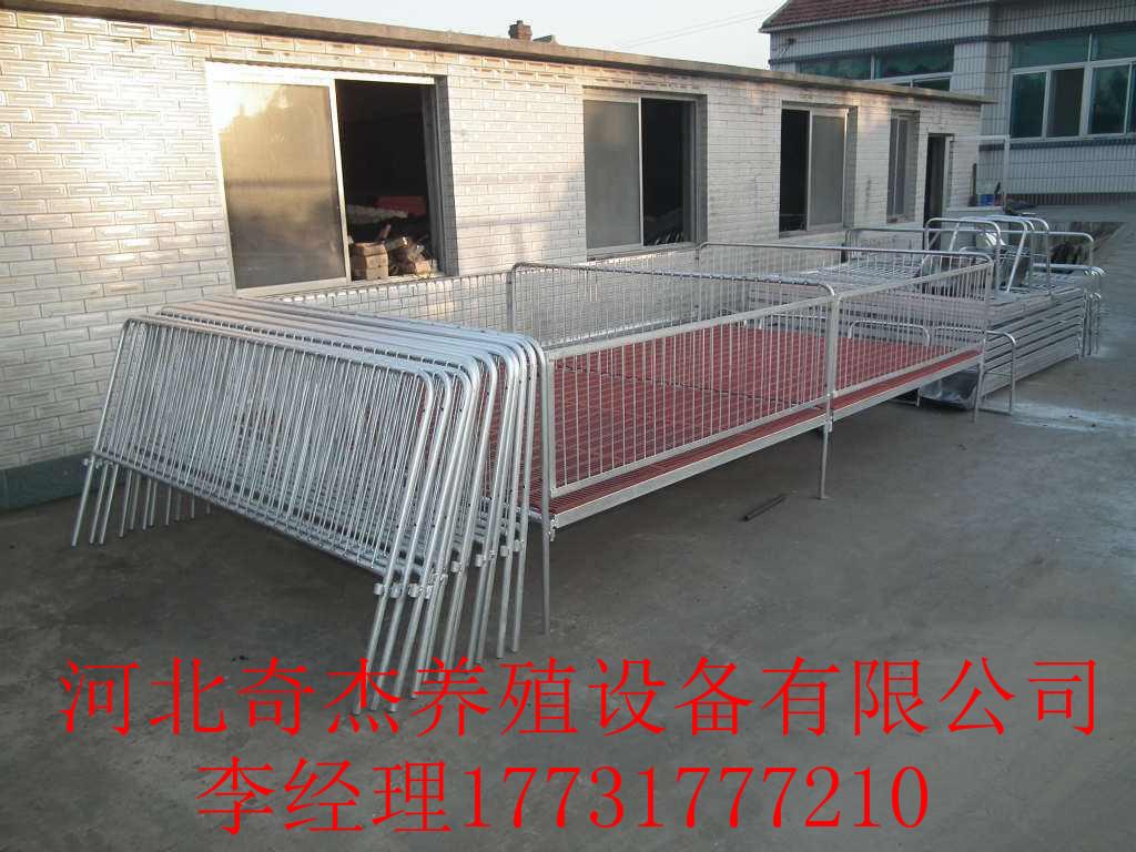 猪舍构造方面,中国传统猪舍多选用开放式和半开放式猪舍修建,除临产母图片