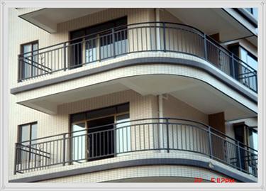 铝合金护栏维修价格 锌钢栏杆批发价格 锌钢阳台护栏