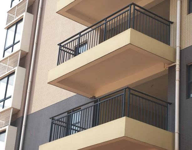 锌钢小区阳台护栏产品质量和性能说明