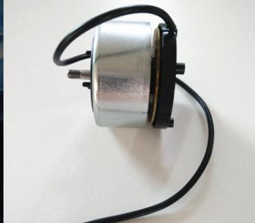 控器接收机那里接收控制信号,控制电机的转速,以满足模型使用需要.