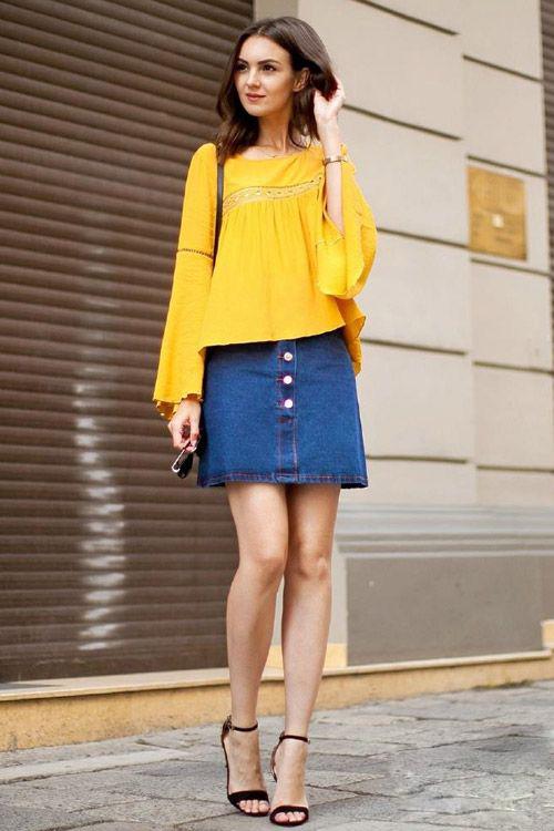 黄色衣服太明显怎样回比人_飘逸的黄色上衣穿着如此明媚俏丽,配牛仔裙和一字带凉鞋,优雅淑女风