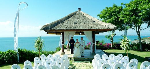 巴厘岛婚礼拍摄景点推荐:阿雅娜kisik