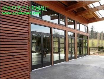 当我们的防腐木廊架,玻璃质顶给我们带来的不同生活