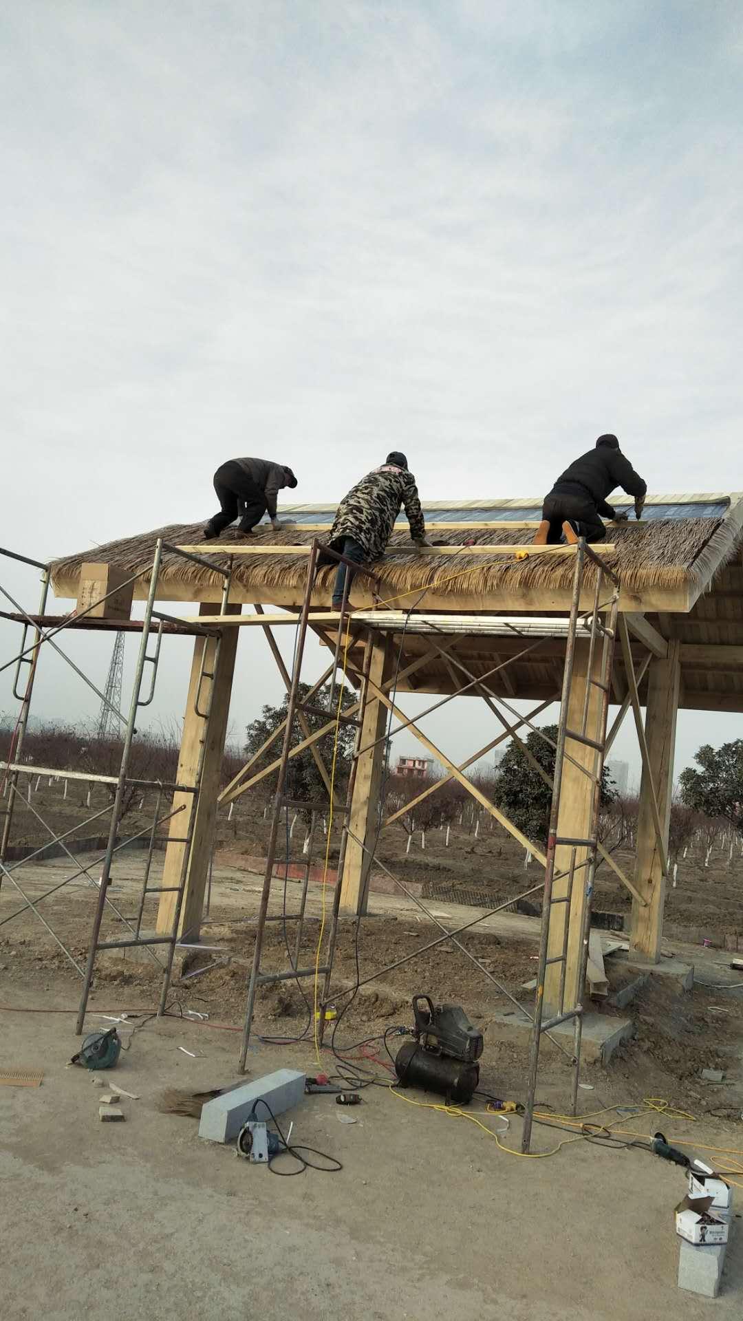 真稻草瓦,屋面装饰茅草瓦,PVC塑料茅草生产厂家图片