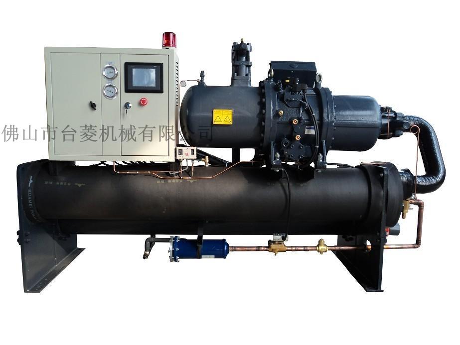 压缩机中以及在管道内所吸收的热量都传递给附近介质(水或空气)带走图片