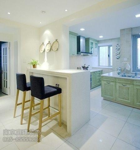厨房吧台柜的灯光设计