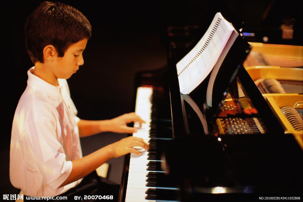 学钢琴的好处图片