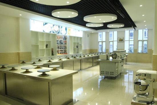 成都有名的学习烘培的地方 成都新东方烹饪学校