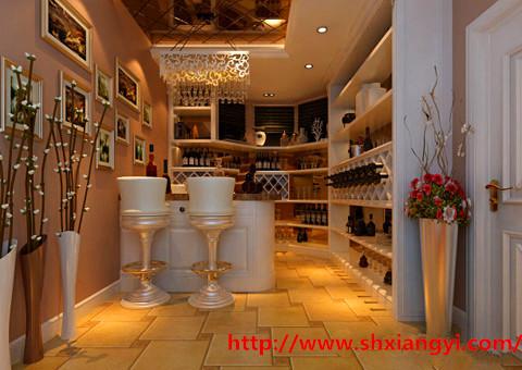 采用印花材质的银色玻璃,银色边框,赋予空间延长感,更加凸显欧式高贵
