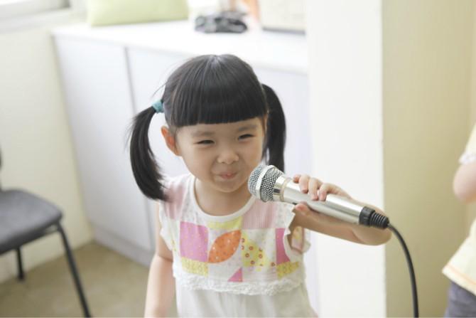 上海儿童唱歌培训|浦东少儿声乐培训|杨浦小孩唱歌