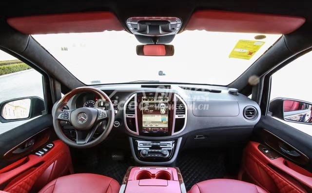 汽车内饰改装方案设计,桃木定制改装,中控台仪表台改装,汽车音响改装