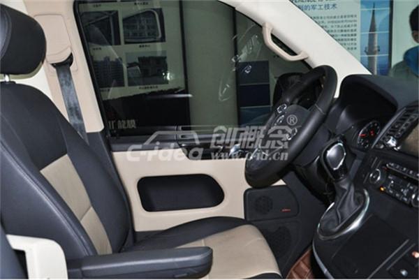 老款大众t5改装新款座椅,车内加装商务式航空座椅
