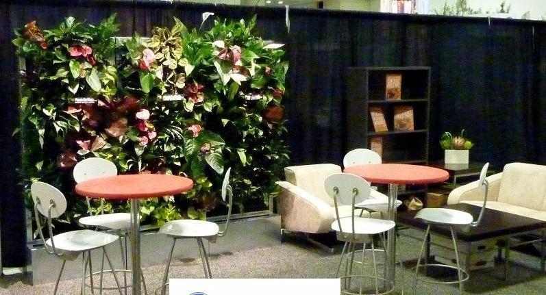 室内绿化,不仅种植树木和花草,而且可以设置山石,水池,喷泉及其他园林