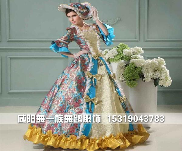 18世纪欧式晚宴服装