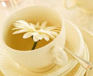 美容护肤秋季要喝什么花茶