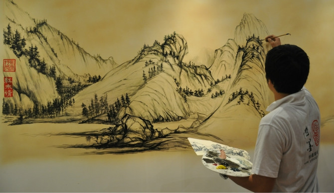 手绘墙的补救方法 怡墨山河墙绘案列