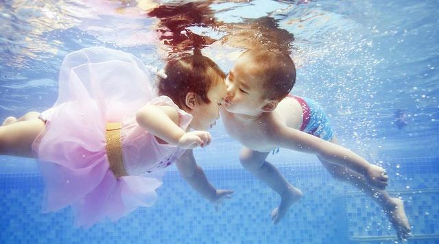 时尚亲子游泳 开启婴幼童消费市场新时代