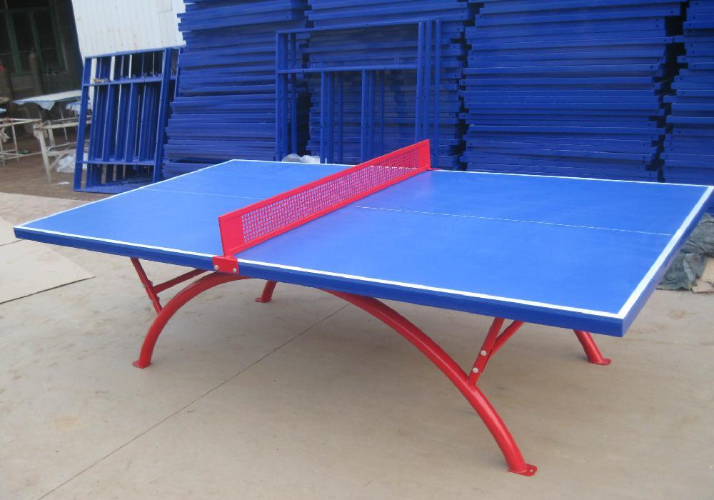 3,乒乓球台目前通常有三种类型的球台:非滚动式球台,即在底架的图片