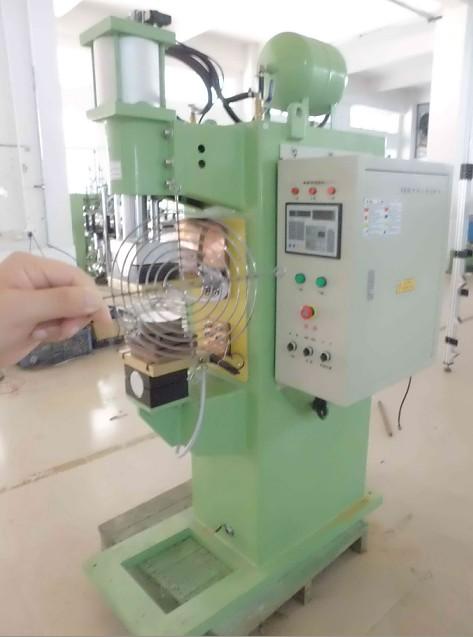 控制系统l 外箱,整流电路,滤波电路,功率开关电路,检测电路及焊接控制