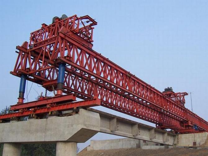 钢架桥结构示意图