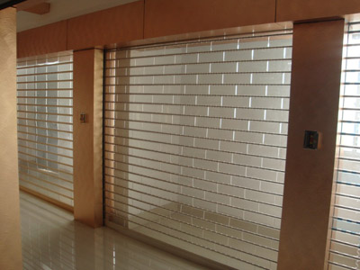 本公司专业生产欧式保温门,翻板车库门,大型工业门,水晶门,不锈