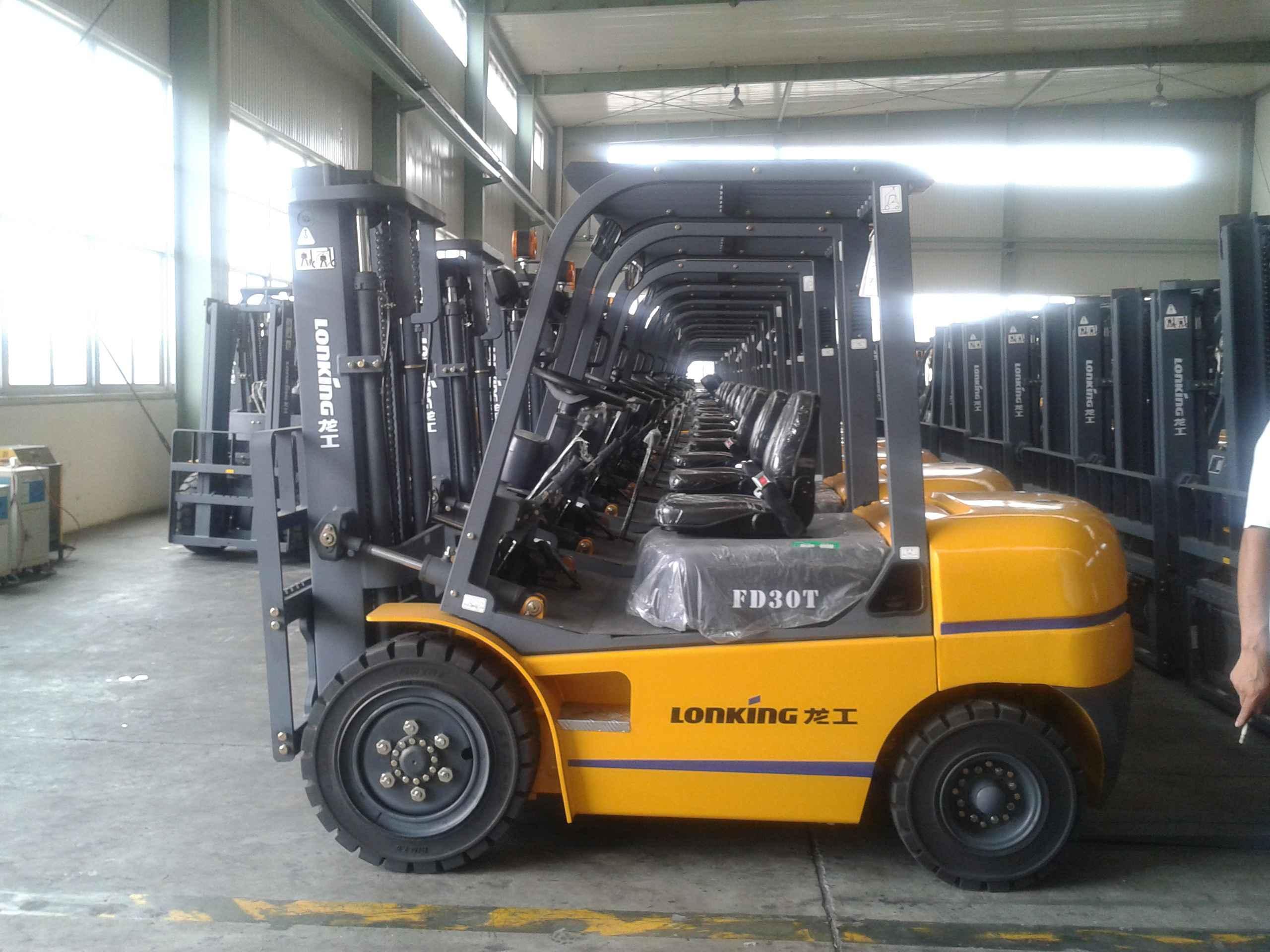 最大的铲车图片 中国最大的挂车图片 中国最大的 ...