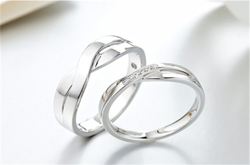 50分的周生生钻石戒指普畅通回收什么价