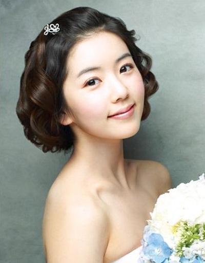 枣阳新新娘婚纱摄影教您如何打造短发新娘的完美婚纱