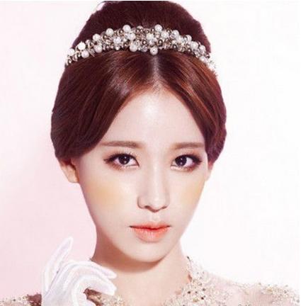 皇冠新娘发型