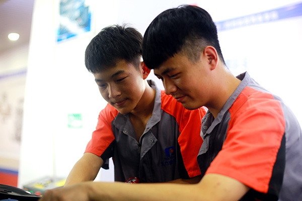 汽修学校学费,学汽修多少钱,郑州北方汽车学校