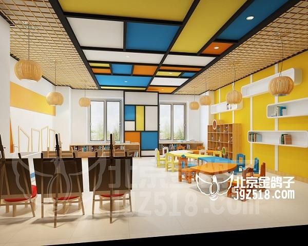 美术教室天花造型为简约的色块搭配,左右两边侧的格栅吊顶为环创提供图片
