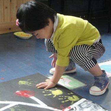 """趣学吧""""小小手指创世界""""手指拓印活动从多个方面全面"""