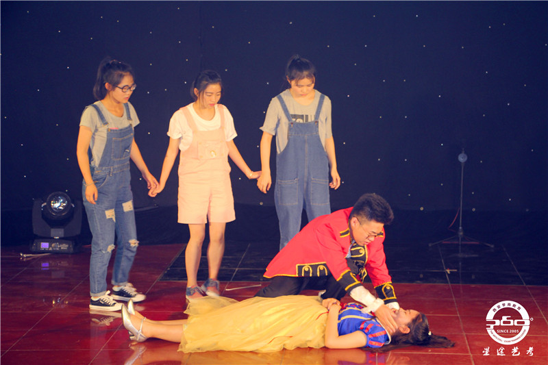西安影视表演专业培训之影视表演艺考5大注意