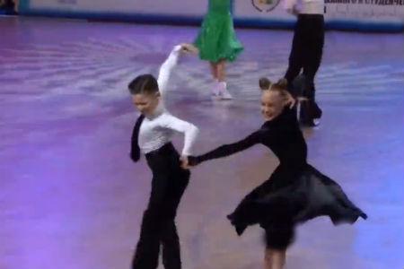 一个国外跳舞视频