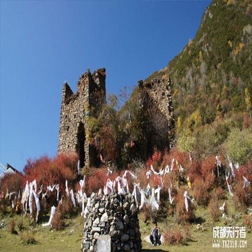 沿途景点:米亚罗风景区,古尔沟纯天然温泉,桃坪羌寨,甘堡藏寨,孟