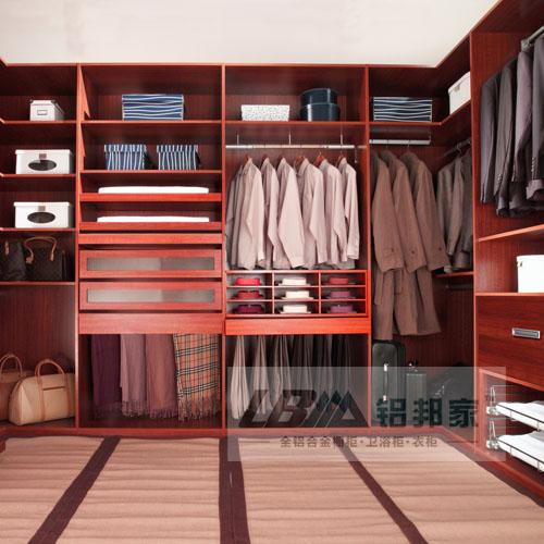 定制衣柜的流程简单的说是,上门测量出设计方案---专卖店选定款式和