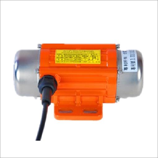 采用单法兰结构使得立式振动电机安装维护方便,提高主机对物料的处理