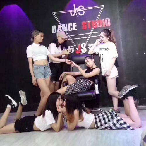 松岗楼岗先学习 后付款少儿舞蹈培训 松岗国际JS舞蹈学校