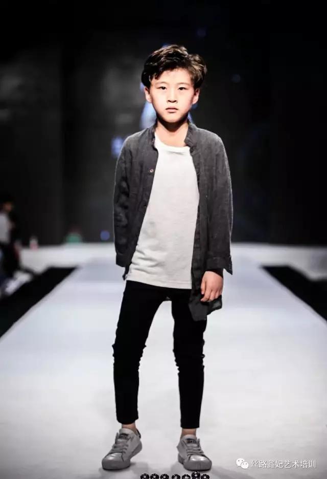 首页> 主营项目 > 儿童模特—马浩轩 特长:服装走秀 平面拍摄 街舞图片