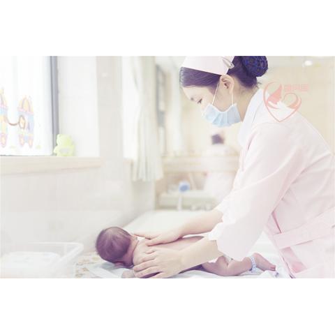 新生儿抚触