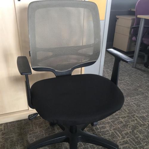 天津东丽销售二手办公椅价格,利琳办公家具值得您的信赖