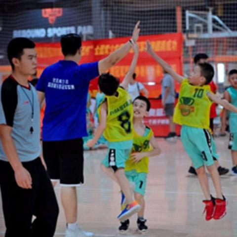 济南政通路中学篮球培训班俱乐部