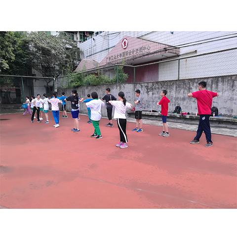 广州800米跑步培训机构,有计划地进行专业教育