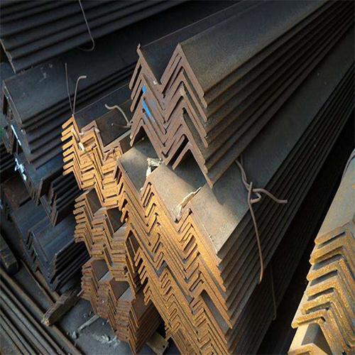 角铁半钢结构厂房