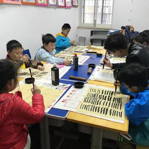 兒童繪畫培訓多少錢一小時免費試聽課_南京秋楓藝術